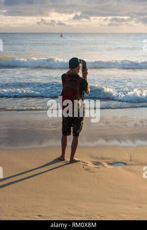 Mann, Foto in Mooloolaba an der australischen Sunshine Coast. Stockbild