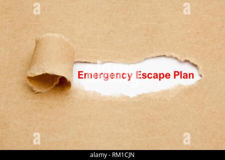 Text Not Escape Plan hinter zerrissenes Papier erscheint. Konzept über die Evakuierung Sicherheitsvorkehrung Abwehrbereitschaft bei Feuer oder anderen extremen Ereignis Stockbild