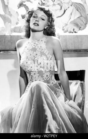 RITA HAYWORTH (1918-1987), US-amerikanische Schauspielerin und Tänzerin über 1945 Stockbild