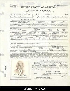 Albert Einsteins Antrag auf Einbürgerung. Es wurde beim US-Bezirksgericht in Trenton, NJ eingereicht, während Stockbild