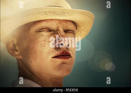 Junge Mann in der Natur Stockbild