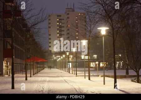 Universität Gebäude der Universität Bremen im Winter in der Dämmerung, Bremen, Deutschland, Europa ich Universitätsgebäude der Universität Bremen im Winter bei Abend Stockbild