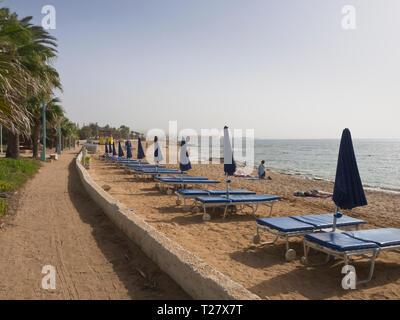 Pernera Beach, eine der vielen Alternativen für Sonne und Meer in Ayia apa Zypern Stockbild