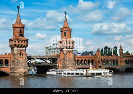 Europa, Deutschland, Berlin, Oberbaumbrücke in Berlin, Deutschland Stockbild