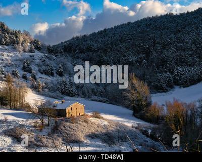 Schnee auf den Apennin im Winter, Gubbio, Umbrien, Italien, Europa Stockbild