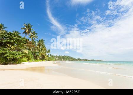 Mirissa Beach, Sri Lanka, Asien - Blick über den wunderschönen Strand von Mirissa Stockbild