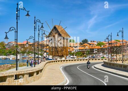 Windmühle aus Holz, Altstadt Nessbar, Bulgarien Stockbild