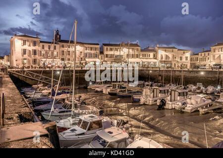 Hafen von La Flotte, Restaurants, Ile de Re, Nouvelle - Aquitaine, Französisch westcoast, Frankreich, Stockbild