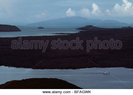 Touristischen Boot, Sullivan Bay, Galapagos-Inseln Stockbild