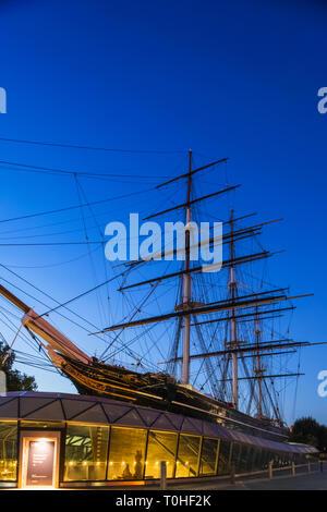 England, London, Greenwich, Nachtansicht der Cutty Sark Stockbild