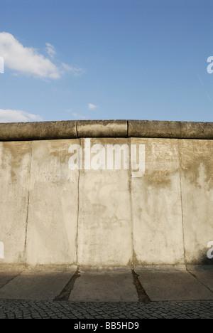 Deutschland Berlin die Gedenkstätte Berliner Mauer an der Bernauer Straße ist Bestandteil der Geschichtsmeile Stockbild