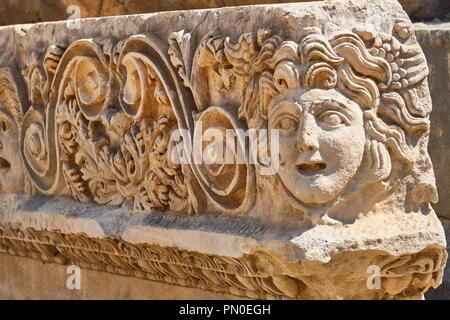 Skulptur des theatralischen Maske, Myra (Demre), Türkei Stockbild