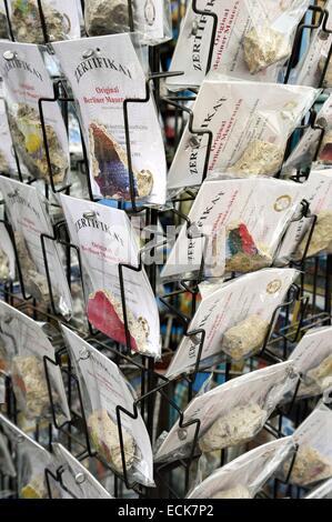 Deutschland, Berlin, Fragmente der Berliner Mauer verkauft als Souvenir Stockbild