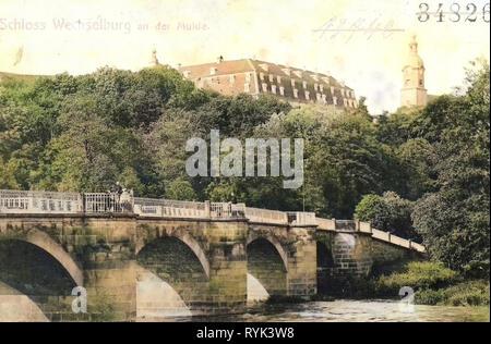 Brücken im Landkreis Mittelsachsen Wechselburg, Barockschloss, 1901, Landkreis Mittelsachsen, Wechselburg, Schloß und Muldenbrücke, Deutschland Stockbild