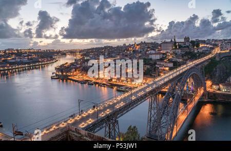 Dom Luis I Brücke über den Fluss Douro, Porto, Portugal Stockbild