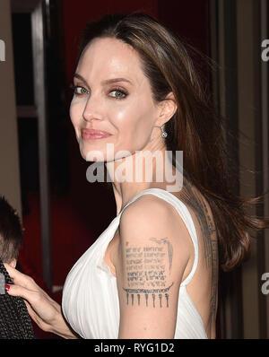 HOLLYWOOD, CA - 11. März: Angelina Jolie besucht die Premiere von Disney's 'Dumbo' bei El Capitan Theatre am 11. März 2019 in Los Angeles, Kalifornien. Stockbild