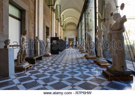 Italien, Kampanien, Neapel, historischen Zentrum als Weltkulturerbe von der UNESCO zum Nationalen Archäologischen Museum, Stockbild