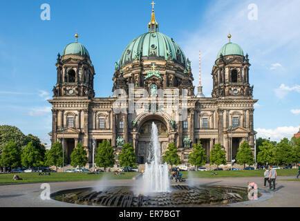 Berliner Dom (Berliner Dom) auf der Museumsinsel im Bezirk Mitte der deutschen Hauptstadt Stockbild