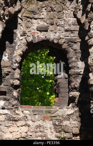 Fenster, historische Stadtmauer, Duisburg, Ruhrgebiet, Nordrhein-Westfalen, Deutschland, Europa ich Fenster, historische Stadtmauer, Duisburg, Ruhrgebiet, Keine Stockbild