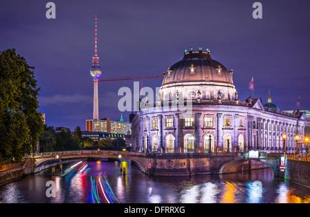 Museumsinsel und Fernsehturm in Berlin, Deutschland. Stockbild
