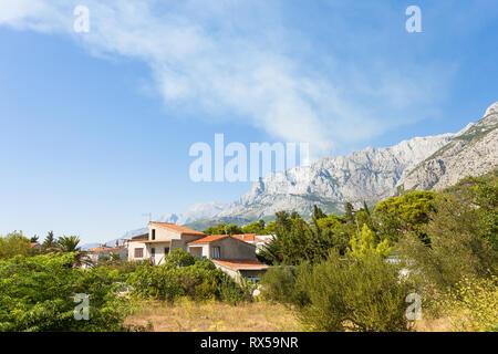 Makarska, Dalmatien, Kroatien, Europa - ein traditionelles Bauernhaus in der Riviera von Makarska. Stockbild