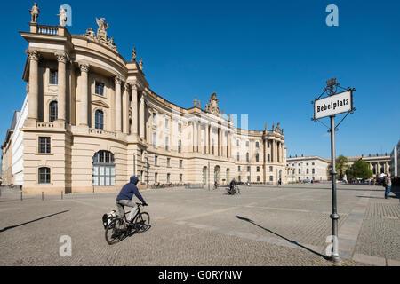 Gesetz-Fakultätsgebäude (ehemaliges Altes Palais) der Humboldt-Universität auf unter Den Linden in Stockbild
