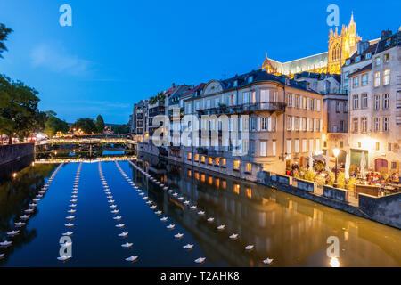 Architektur von Metz in der Nacht. Metz, Grand Est, Frankreich. Stockbild