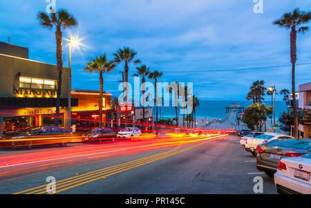 Manhattan Beach Pier und Manhattan Beach Boulevard, Kalifornien, Vereinigte Staaten von Amerika, Nordamerika Stockbild