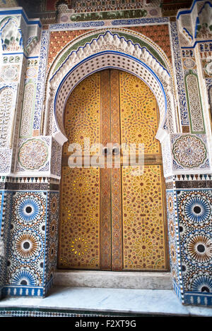Tür des Moulay Hassan II Mausoleum, Fes, Marokko Stockbild