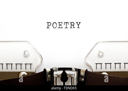 Das Wort Poesie auf vintage Schreibmaschine getippte Leerzeichen mit kopiert. Stockbild