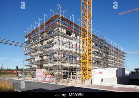 Ausgestattete Wohnhaus, Baustelle, Shell, Oldenburg in Oldenburg, Niedersachsen, Deutschland, Europa ich Eingerüstetes Wohgebäude, Baustell Stockbild