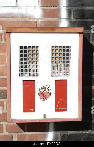 Alter Kaugummiautomat, Deutschland, Europa I Alte Kaugummi Machinel Deutschland, Europa Stockbild