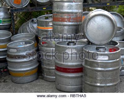 Metall Bierfässer Stockbild