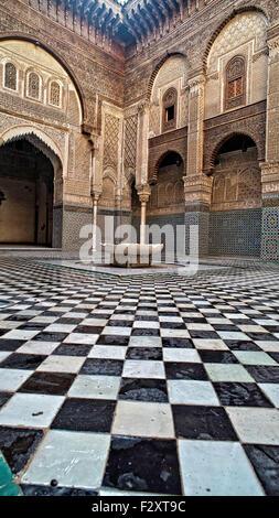 Fliesenboden, Medersa Attarine, Fes, Marokko Stockbild