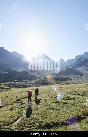Wanderer Freunde in Mont Cervin, Matterhorn, Wallis, Schweiz Stockbild