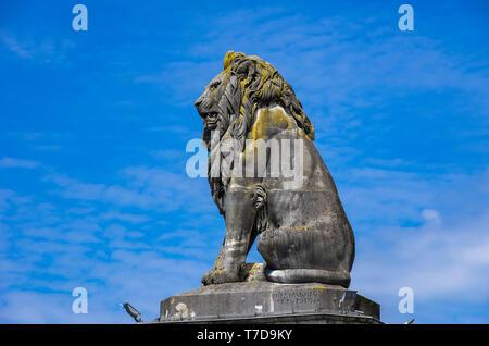 Statue der bayerische Löwe am Rande der Hafeneinfahrt von Lindau im Bodensee, Bayern, Deutschland, Europa. Stockbild
