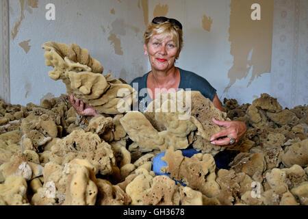 Geographie/Reisen, Kroatien, mandaric Bozovic, Ehefrau von Dragan Bozovic, der ältesten Schwamm diver Krapanj, Stockbild