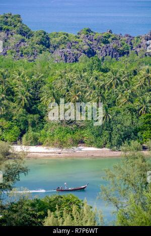 Thailand Songkhla Provinz, Tarutao National Marine Park, Ko Tarutao Insel, Panoramaaussicht von Toe-Buh Cliff (Bu) Stockbild