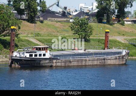 Barge, Duisburg, Ruhrgebiet, Nordrhein-Westfalen, Deutschland Ich Binnenschiff, Duisburg, Ruhrgebiet, Nordrhein-Westfalen, Deutschland I Stockbild
