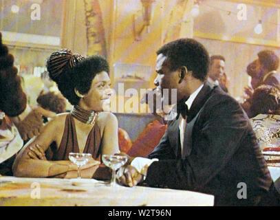 Ein warmer Dezember 1973 Nationale Allgemeine Bilder Film mit Esther Anderson und Sidney Poitier Stockbild