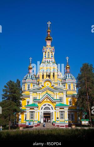 Kasachstan, Almaty, Zenkov Kathedrale Panfilov Park, früher bekannt als Himmelfahrt Cathderal, ganz aus Holz gebaut. Stockbild