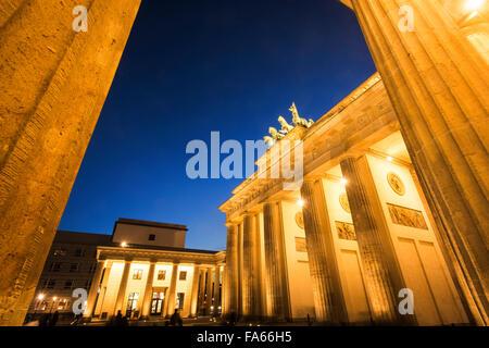 Abenddämmerung Schuss des Brandenburger Tor Berlin Deutschland Brandenburger Tor Twilight Stockbild