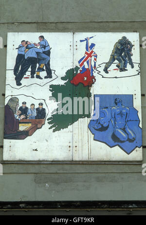 Mühen, Wandmalerei Wandgemälde mit Szenen aus dem täglichen Leben 1980 S UK HOMER SYKES Stockbild