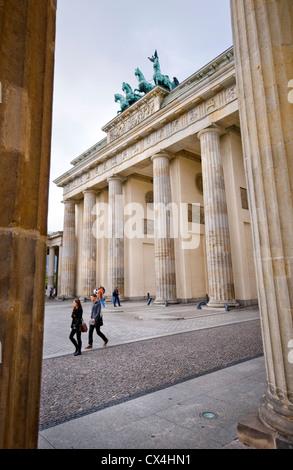 Blick auf das Brandenburger Tor in Berlin, Deutschland Stockbild