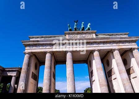 Brandenburger Tor ist Berlins Wahrzeichen. Ein Symbol für Berlin und der Deutschen Teilung im Kalten Krieg, jetzt ist es ein nationales Symbol des Friedens Stockbild