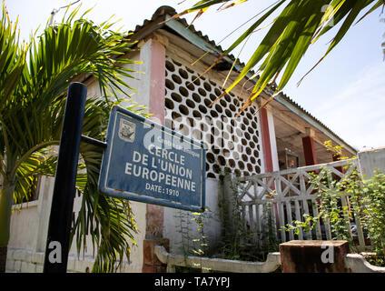 Centre Céramique früher Cercle de l'Union européenne, Sud-Comoé, Grand-Bassam, Elfenbeinküste Stockbild
