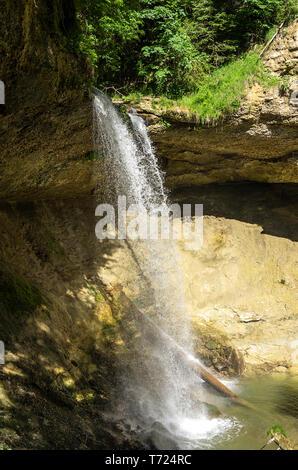 Scheidegg, Bayern, Deutschland - 11. Juni 2017: Einer der Scheidegg Wasserfälle im Allgäu in der Nähe von Lindau am Bodensee, Bayern, Deutschland. Stockbild