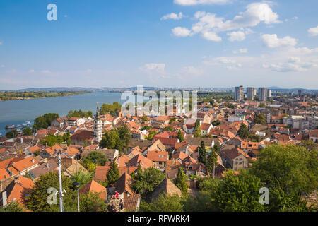 Anzeigen von Zemun Dächer und die Donau, Zemun, Belgrad, Serbien, Europa Stockbild