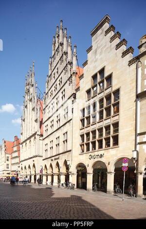 Rathaus, alte Häuser am Prinzipalmarkt, Münster in Westfalen, Nordrhein-Westfalen, Deutschland Ich bin Giebelhäuser Rathaus, Prinzipalmarkt, Münst Stockbild
