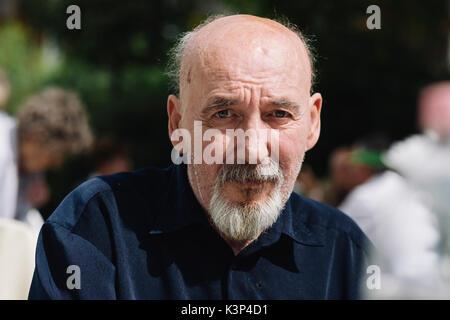 Authentische älterer Mann Stockbild